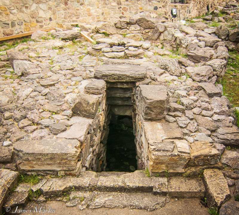 sacred well sardara