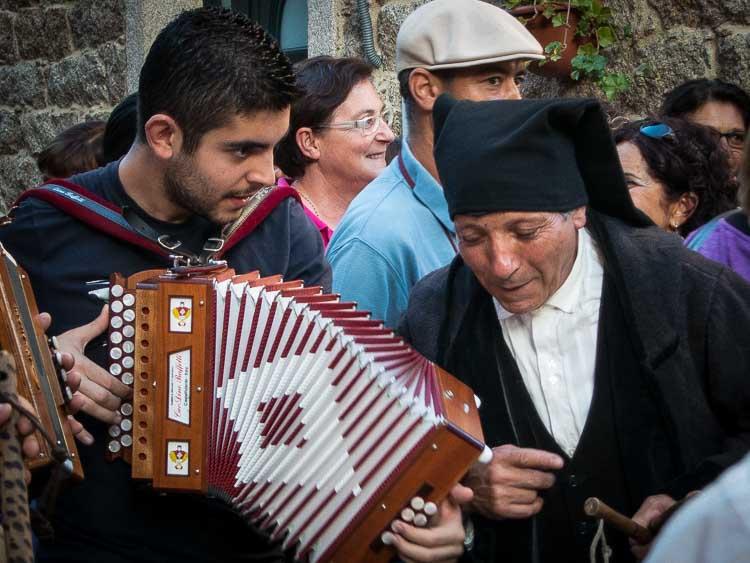 sardinian musicians picture